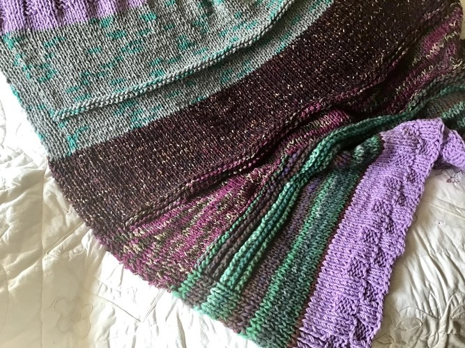 Makerist - The Forbidden Forest Throw  - Knitting Showcase - 3
