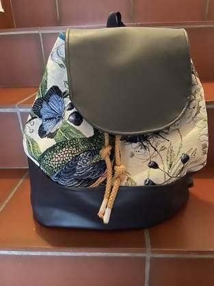 Rucksack aus Canvas und Kunstleder