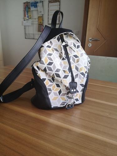 Makerist - Rucksack aus Canvas und Kunstleder - Nähprojekte - 1