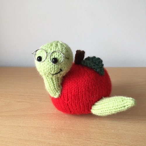 Makerist - Billy Bookworm - Knitting Showcase - 1