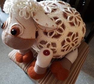 Makerist - Lover Lamb, crochet with acrylic, goal was a challenge - 1