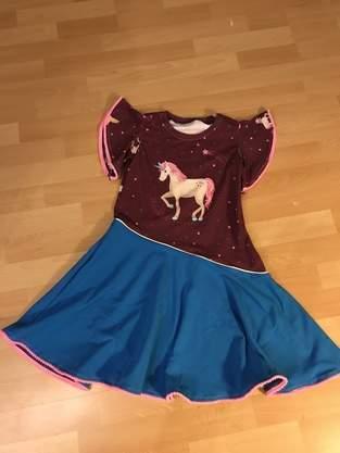 Makerist - Drehkleid Lisa mit Einhornliebe aus Jersey  - 1