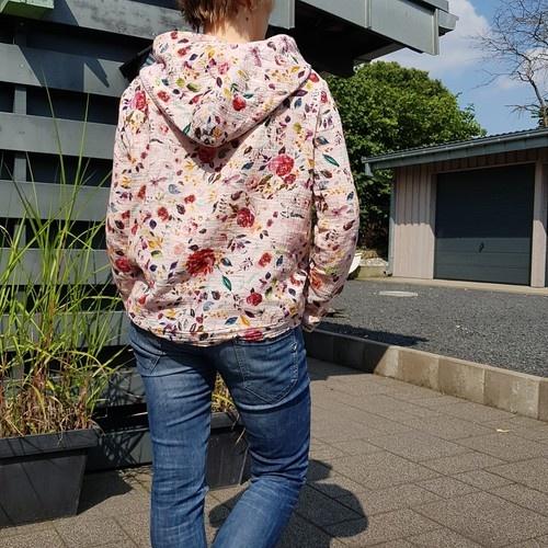 Makerist - Pull & Over aus Blumen-Musselin - Nähprojekte - 2
