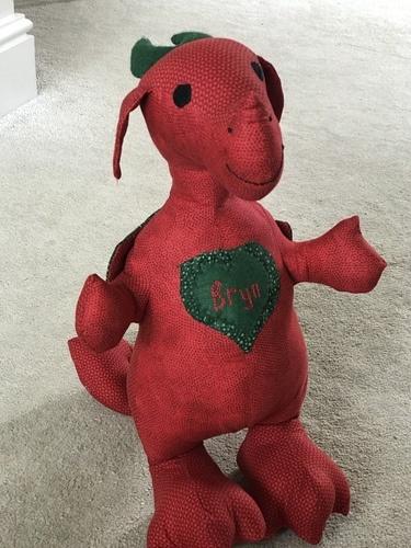 Makerist - Bryn a small Welsh Dragon made from Crafty Kooka pattern - Sewing Showcase - 1