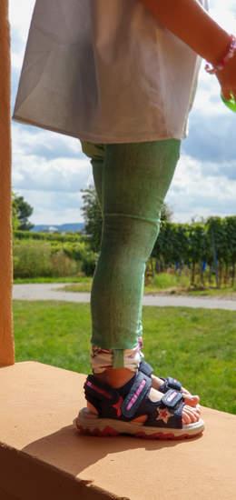 Makerist - Lütten legs mit Schleifenbündchen  - 1