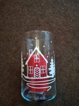 Makerist - Ein Glasgefäß für die kommende Weihnachtszeit verziert - 1
