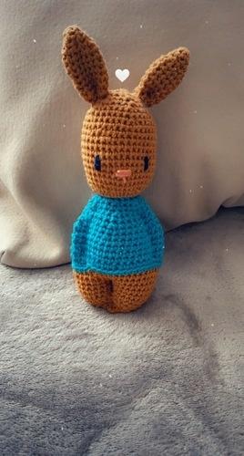 Makerist - Le lapin hochet - Créations de crochet - 1
