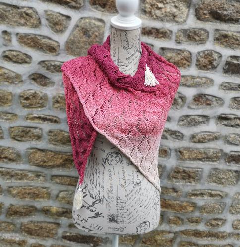 Makerist - Autumn Leaves Shawl - Knitting Showcase - 1