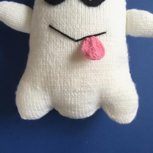 Makerist - Ghost Emoji - Knitting Showcase - 3
