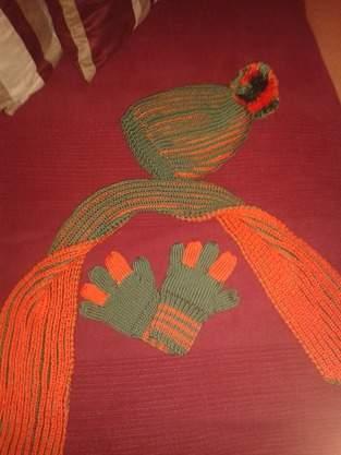 Mütze, Schal und meine ersten Handschuhe