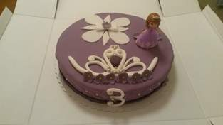 Makerist - Sofia die Erste-Torte zum 3. Geburtstag - 1