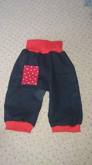 Die Hose mit Herz für ein Herzchen