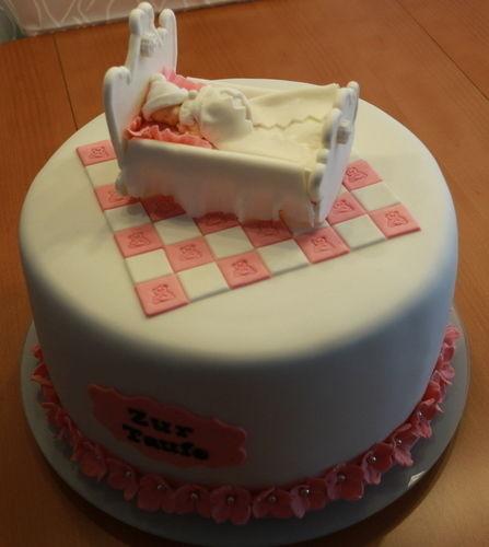 Makerist - Baby in der Wiege, Kommunion Junge und Hutschachtel mit einem Schuh - Torten, Cake Pops und Cupcakes - 1