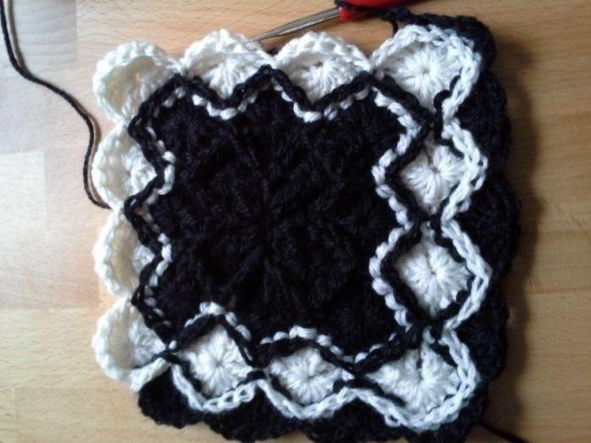Makerist - Garnfresser Decke, schwarz/weiß. - Häkelprojekte - 2
