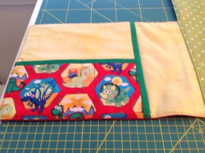Makerist - Wickelunterlage als Tasche mit Fächern für Feuchttücher, Windeln und Cremes - Nähprojekte - 3
