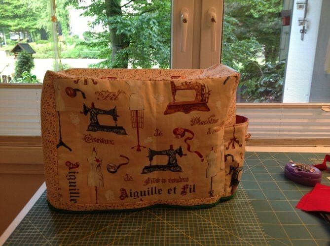 Makerist - Nähmaschinenhaube mit Seitentasche für Kabel und Fußpedal - Nähprojekte - 1