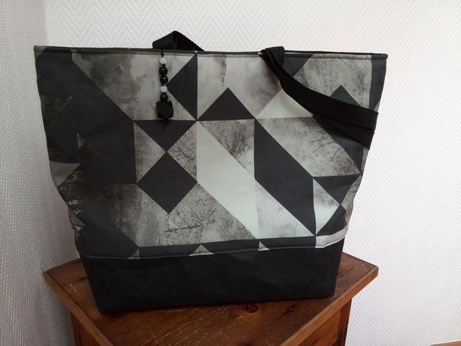 Makerist - Tasche mit grafischen Dreiecken - Nähprojekte - 1