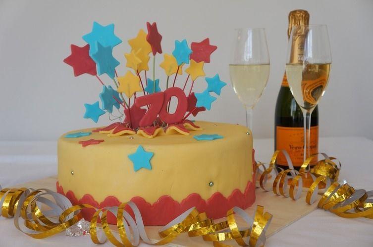 Makerist - Feuerwerks Torte zum Geburtstag - Torten, Cake Pops und Cupcakes - 1