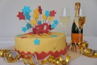 Feuerwerks Torte zum Geburtstag