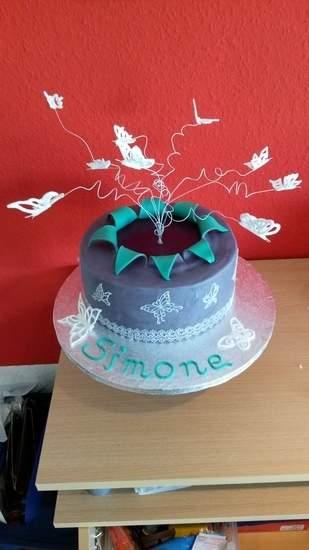 Makerist - Schmetterling - Explosion Cake  - 1