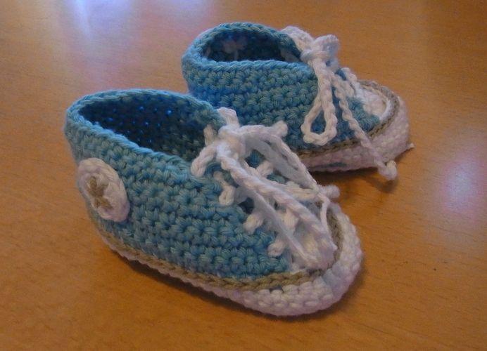 Makerist - Baby-Chucks - Häkelprojekte - 1