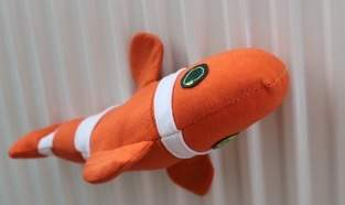 Fisch mit magnetischen Flossen