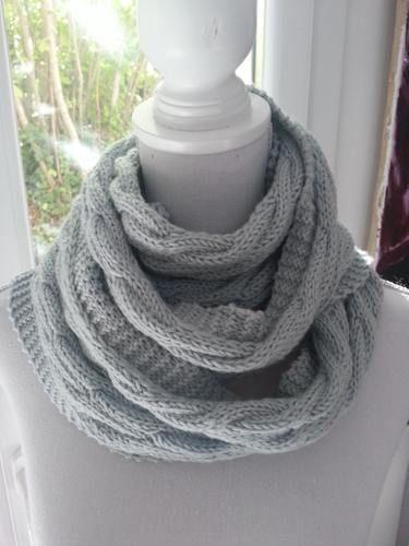 Makerist - Echarpe bleue torsadée en laine mérinos tricotée à la main - Créations de tricot - 2