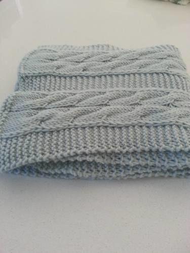 Makerist - Echarpe bleue torsadée en laine mérinos tricotée à la main - Créations de tricot - 3