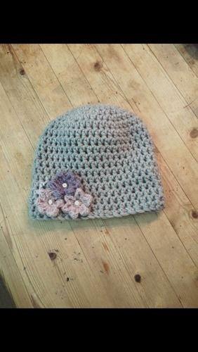 Makerist - Mütze mit Blümchen - Häkelprojekte - 1