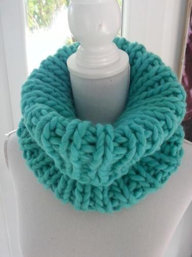 Makerist - Col snood turquoise fait main en grosse laine péruvienne - Créations de tricot - 1