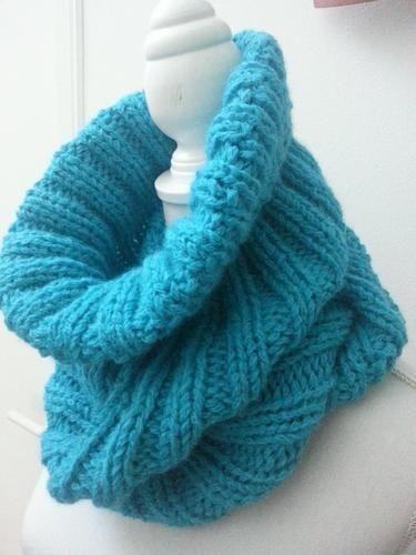 Makerist - Snood/cagoule VALENTINE fait main en laine et alpaga - Créations de tricot - 2