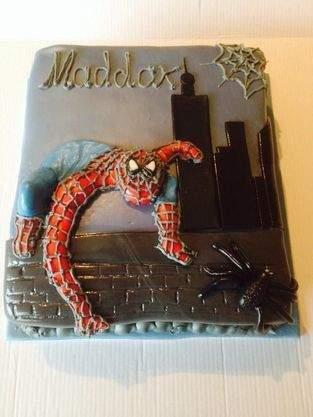 Makerist - Spiderman-Geburtstagstorte - 1