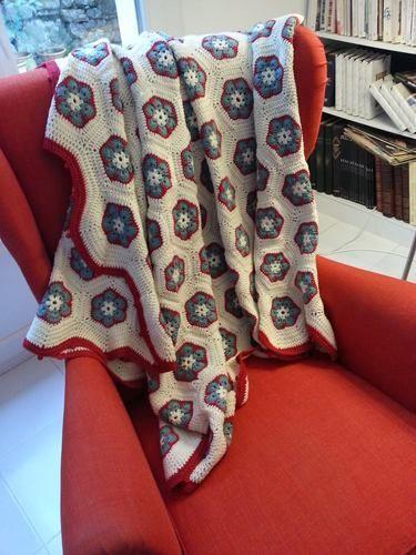 Makerist - Plaid en fleurs africaines - Créations de crochet - 1