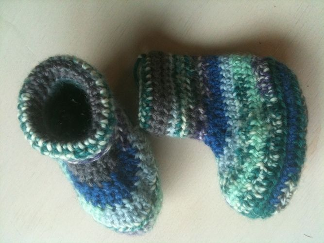 Makerist - bunte Babypuschen - Häkelprojekte - 1