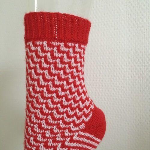 "Makerist - Socke ""red & white"" Gr. 38/39 - Strickprojekte - 2"