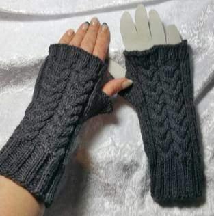 Makerist - Handstulpe doppelter Zopf - 1