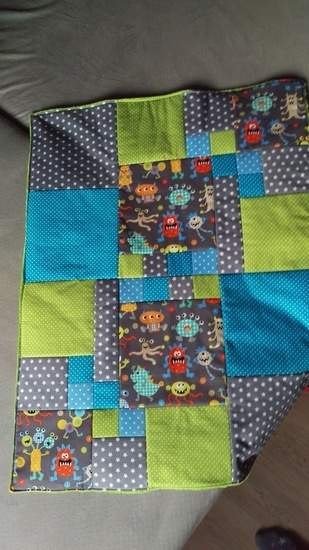 Monster-Patchwork-Decke