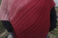 Makerist - asymmetrischer Lochmuster Poncho Julie - 1