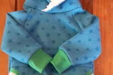 Makerist - erster Versuch eines Hoodies.. ich glaub, ich brauch ne Overlock. das hat so Spaß gemacht!  - 1