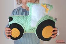 Makerist - Traktor Tom Kuschelkissen und Spieluhr - 1
