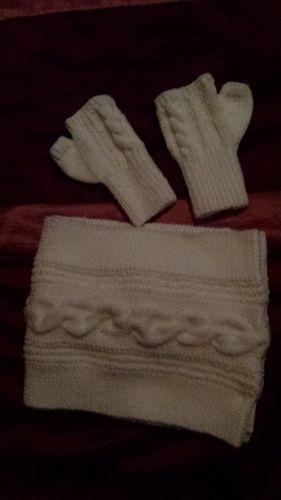 Makerist - ensemble snood blanc et mitaines assorties - Créations de tricot - 1