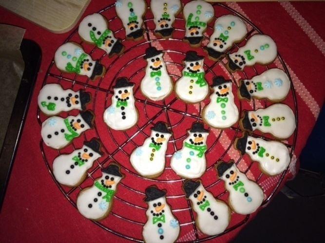 Makerist - Weihnachtsplätzchen mit Royal Icing - Torten, Cake Pops und Cupcakes - 1