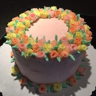 Makerist - Ribbon Rose Buttercream Cake - 1