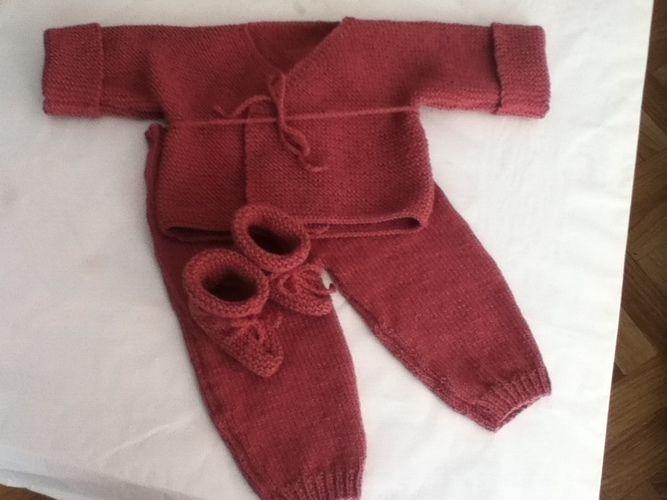Makerist - ensemble bebe couleur pivoine - Créations de tricot - 2