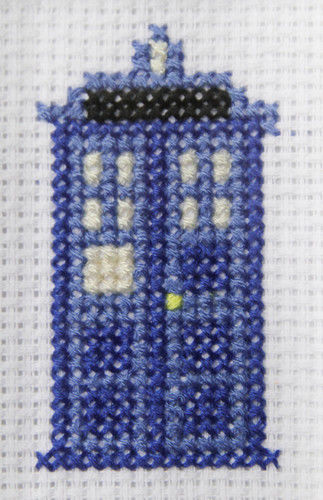 Makerist - Dr. Who Tardis gestickt - DIY-Projekte - 2