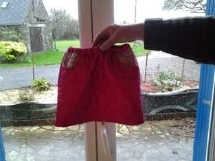 ensemble fillette jupe et blouson type perfecto tissus matelasse et tissus liberty pour Emma
