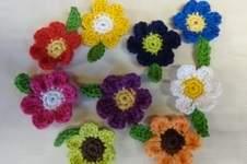 Makerist - Ansteckblumen zum Frauentag - 1