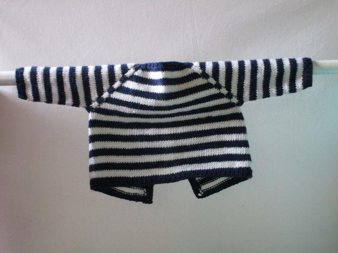 Makerist - Gilet bébé bleu marine à  rayures blanches en mérinos et son bonnet - Créations de tricot - 2