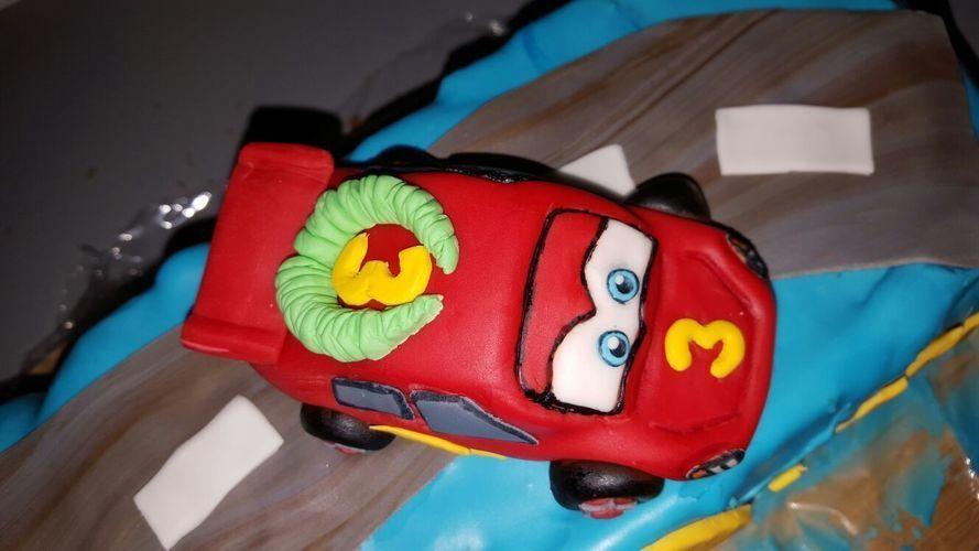 Makerist - Cars Motiv Torte - Torten, Cake Pops und Cupcakes - 3