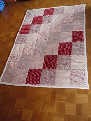 Makerist - Meine 1.Patchworkdecke, aus Baumwollstoff für mich selber gemacht. - 1
